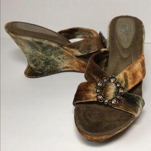 Dr. Scholl's Velvet Wedge Heel Sandal Size 9